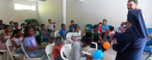 Congregación del Buen Pastor trabaja talleres preventivos del consumo de drogas y alcohol con familias migrantes