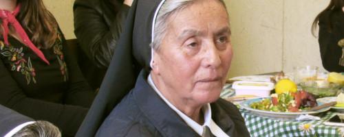 ¡Feliz día Madre Lucia y gracias por su labor!