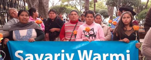 Sayariy Warmi participa de manifestación contra el femicidio.