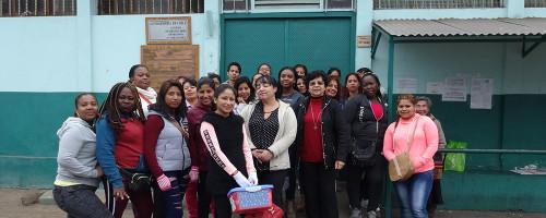 Operativo de belleza en el Centro Penitenciario Femenino.